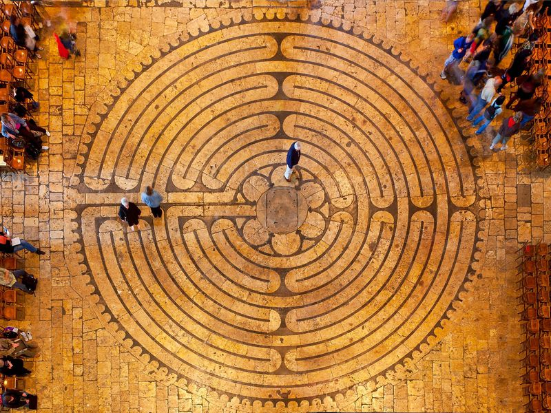 https://www.smithsonianmag.com/travel/walk-worlds-meditative-labyrinths-180957823/