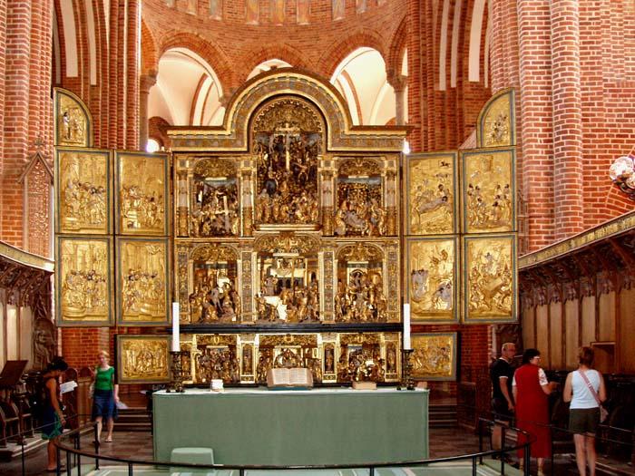 https://en.wikipedia.org/wiki/Altar